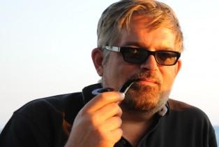 Konstantin Akinsha Net Worth